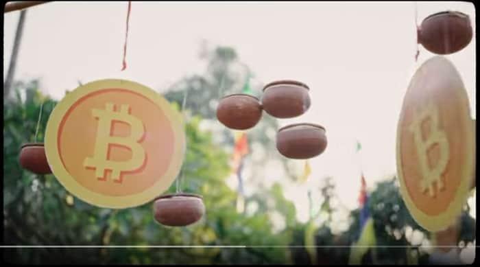 Hình ảnh 2 đồng Bitcoin tại giây thứ 13   Ảnh chụp màn hình